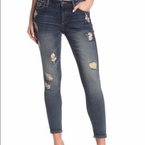 Miss me embroidered jeans. NWT. Size 31